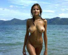 Standing Nude Women Wallpaper