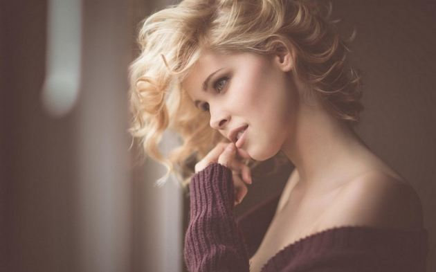Stunning Blonde Curly Hair Girl