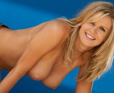 Tanned Babes Lisa Neils Nude