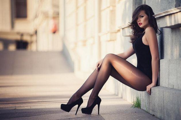 Teen Brunette Sexy Stockings Heels