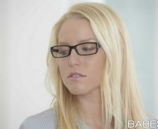 Vanessa Cage Babes Babe Blonde Glasses Face