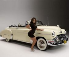 Vida Guerra With Classic Car