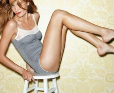 Woman Hairs Brunette Legs