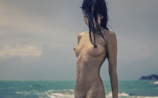 tube6 Babe Japanese Sea Naked