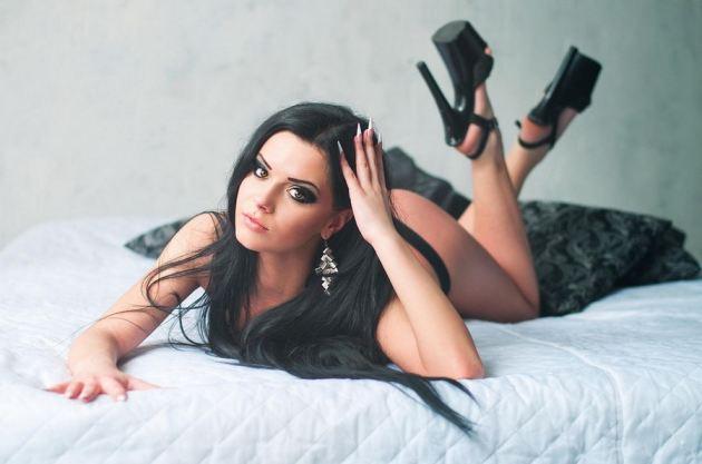 tube8com Brunette nude ass panties julia sariy